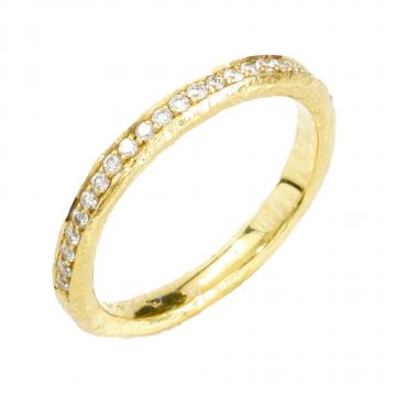 טבעת פס יהלומים מדגם Carino