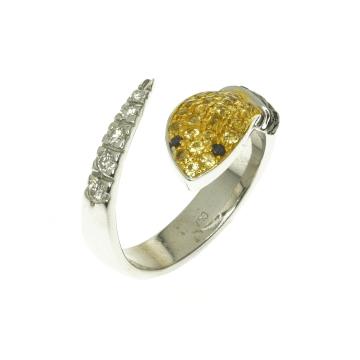 טבעת נחש יהלומים ואבני ספיר מדגם Snake