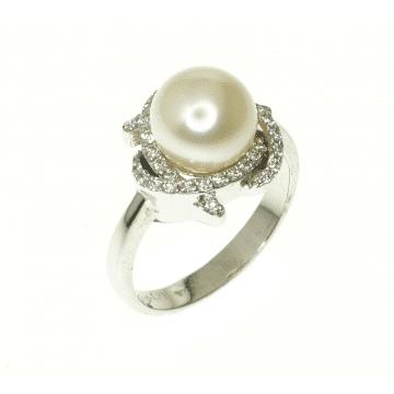 טבעת פנינה ויהלומים מדגם Celestina
